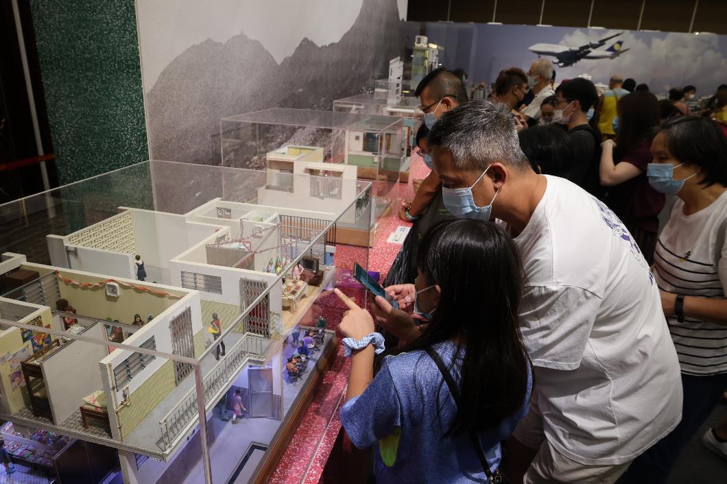「潮拜大仙祠.香港百年」微縮模型展共展出20件微縮模型作品,參觀者可從中欣賞多項非物質文化遺產項目及老香港生活的作品。